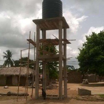 Projet EAU : L'installation de la cuve sur le chateau d'eau