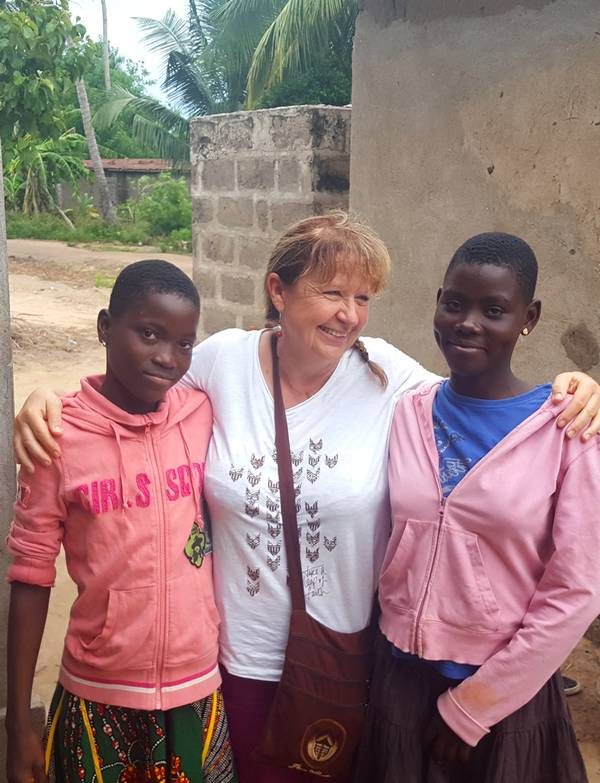Kossiwa, Akouvi et leur marraine