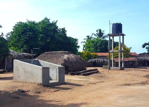 Le château-d'eau et le point de distribution